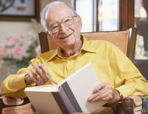 4 Benefits of Having a Library Card for Seniors and Caregivers