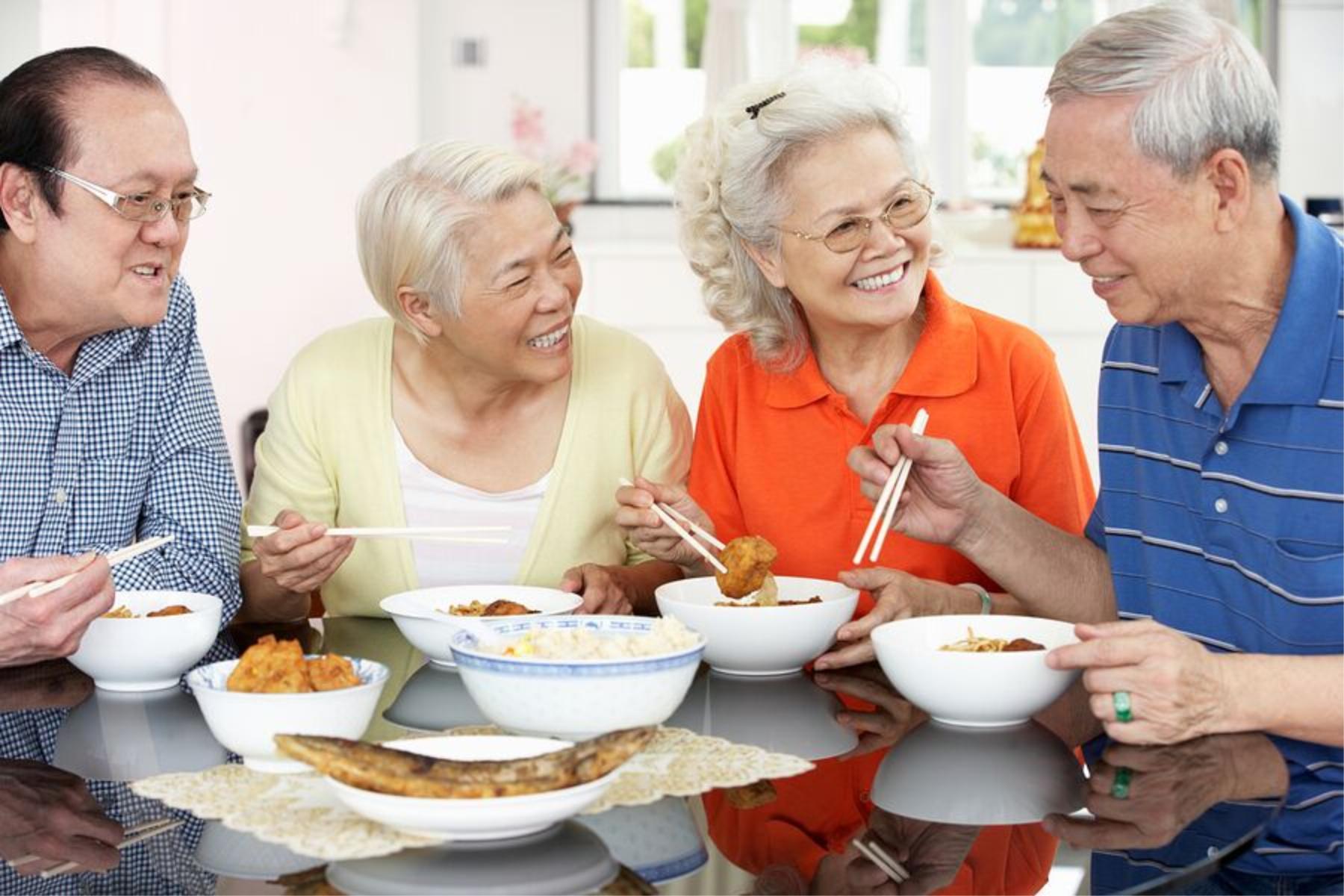 Caregiver in Elizabeth PA: Senior's Social Life
